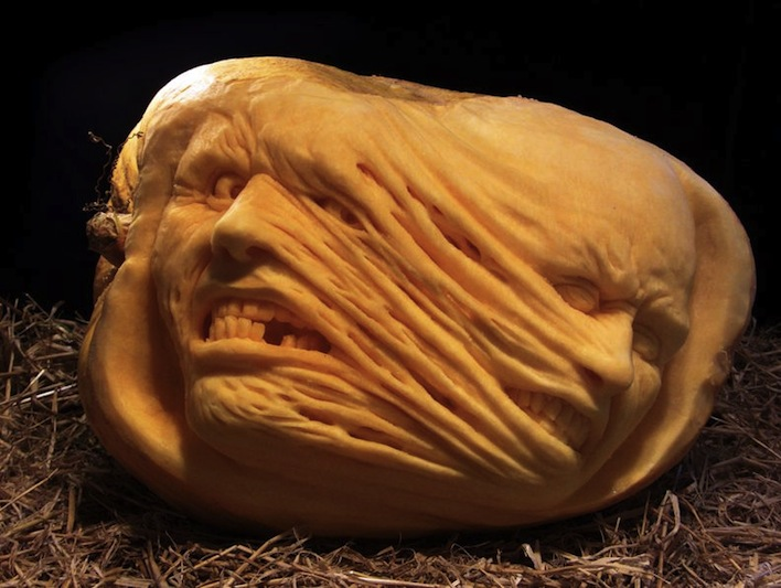 stretching face pumpkin carving